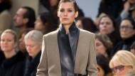 Mehr Garderobe als Kollektion: Die zweite Schau von Phoebe Philo für Céline im Jahr 2010.