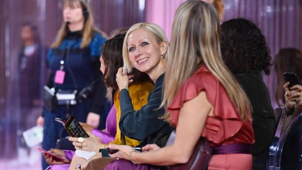 Wie eine Frau ein Modeimperium erneuert