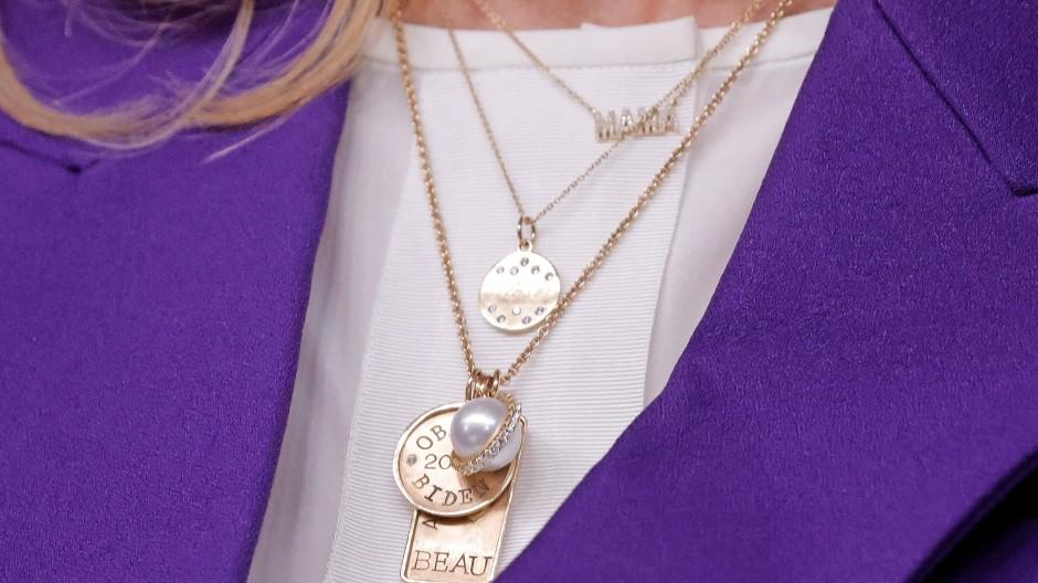 Familienerinnerungen an der Halskette: Jill Biden in dieser Woche