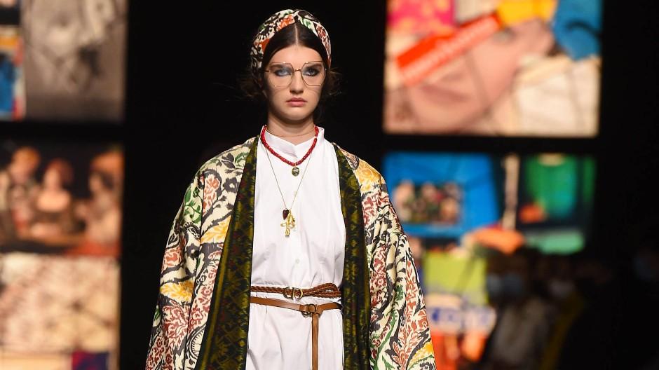 Nachsichtig-entspannt: Ein Look von Dior für das kommende Frühjahr.