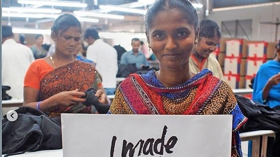 Die Antwort zur Fashion Revolution Week: Näherin in Indien.