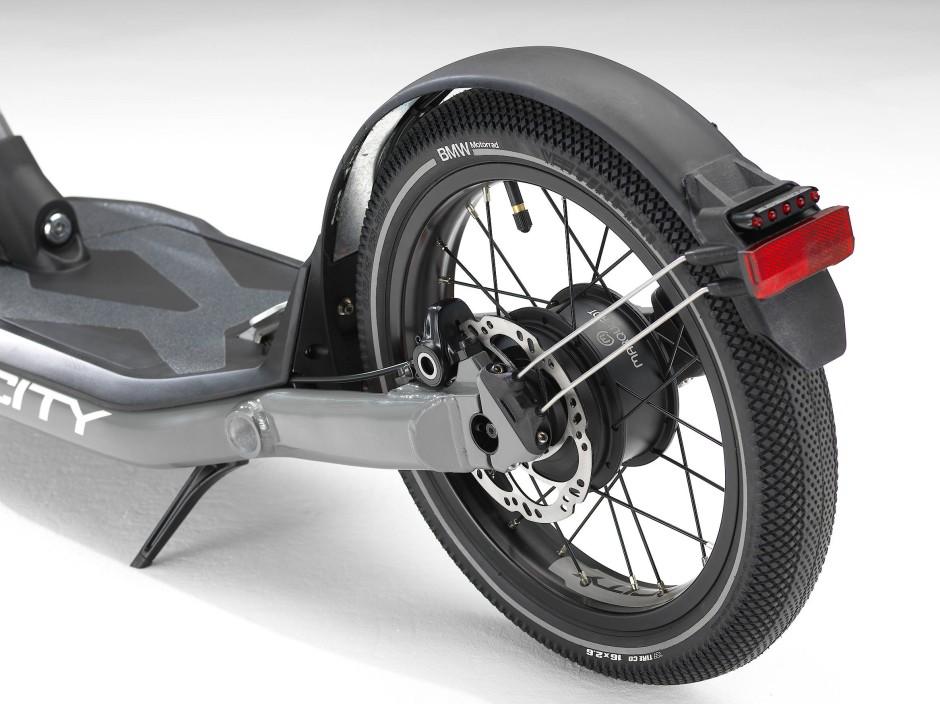 Der Elektromotor kann Rollers auf bis zu 25 Stundenkilometer beschleunigen.