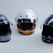 Der Shoei Glamster (grau) ist ein modernes Produkt mit Andeutungen von Nostalgie, Held Root (schwarz) und Torc T-1 setzen auf die alten Ideale.