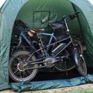 Die Fahrradgarage, eigentlich fürs Camping gedacht, kann eine feste Box ersetzen.