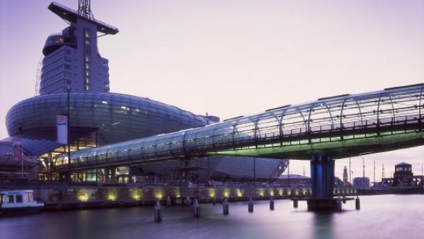 Die Glasröhrenbrücke auf dem Drehfuß