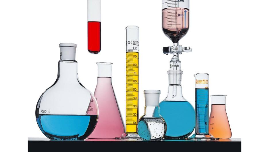 Synthetisch hergestellt: Wasserstoff oder Kohlenwasserstoffverbindungen werden mit Hilfe von Grünstrom produziert und in Brennstoffzellen oder Verbrennungsmotoren genutzt.