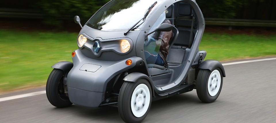 renaults elektromobil twizy weder motorrad noch auto. Black Bedroom Furniture Sets. Home Design Ideas