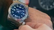 Nothelfer am Handgelenk: Breitling Emergency II