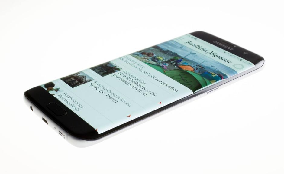bilderstrecke zu apple gegen samsung wer ist besser iphone 7 oder samsung s7 bild 9 von 14. Black Bedroom Furniture Sets. Home Design Ideas