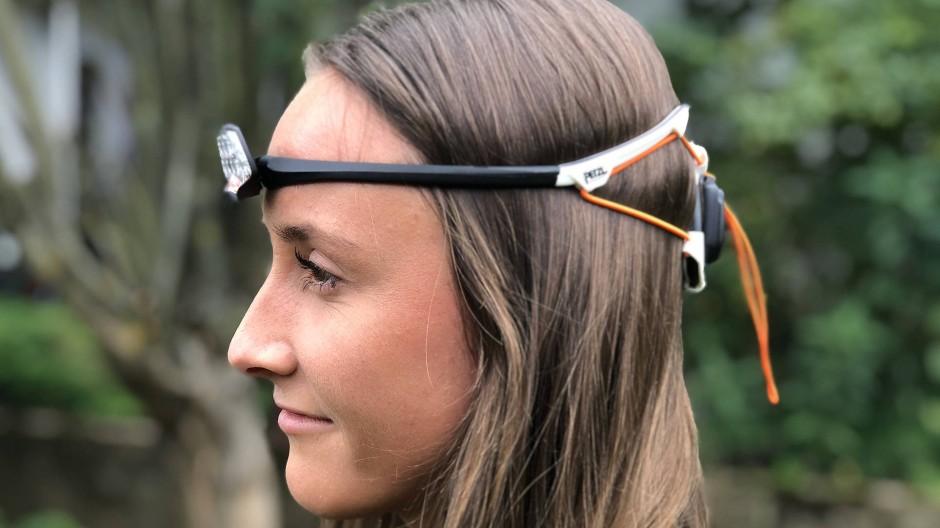 Leuchtmodul an der Stirn, Akkuschachtel am Hinterkopf
