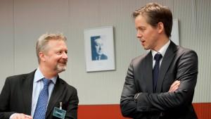 Scharfe Kritik an Online-Netzwerken im Bundestag