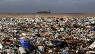 Wichtig ist nämlich die Botschaft an Asiaten und Südamerikaner, deren Müll die Ozeane versaut.