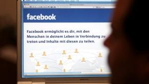 Anonymous nimmt Facebook ins Visier