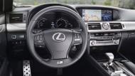 Der feine Luxus: Im großen LS 600h staunt man über den üppigen Bordmonitor
