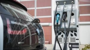 Schützen Elektroautos das Klima?