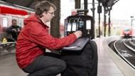 Bei den Messungen waren zwei Teams mit in Trolleys integrierten Mess-Systemen in der Deutschen Bahn unterwegs