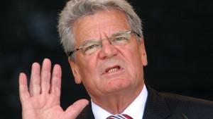 Gauck: Demokratie muss wehrhaft sein