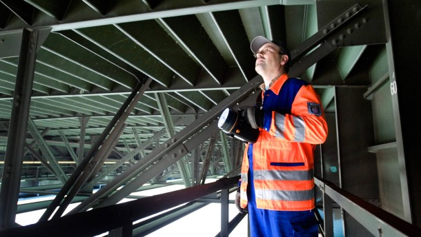Schiersteiner Brücke - Schäden an der Unterkonstruktion der Schiersteiner Brücke