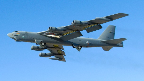 B52-Bomber fliegen in von China beanspruchten Luftraum
