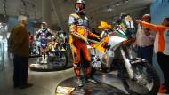 """Einer der Helden in der """"Hall of Fame"""" ist Fabrizio Meoni, 2001 erster Dakar-Sieger für KTM."""