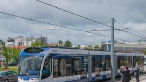 Eine Straßenbahn, die ohne Oberleitung fahren kann