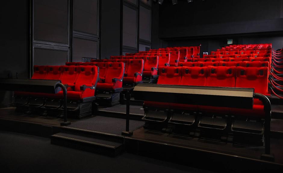 Bilderstrecke Zu Nach 3d Kino Kommt 4dx Spaß Bis Auf Die Haut