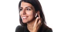 Sieht am gewöhnungsbedürftigsten aus, macht aber in Sachen Bedienung und Klang am meisten her: Airpods von Apple