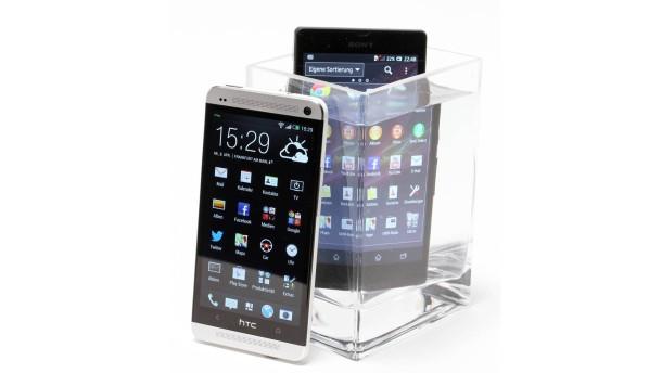 Smartphone Telefontest - Das HTC One (Model pn07100) und das wasserdichte Sony Xperia (Modell PM 0270) werden auf ihre Eigenschaften gestestet.