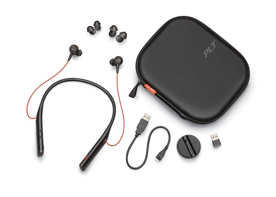 Das Headset wird mit einem Transport-Etui sowie Ohreinsätzen in verschiedenen Größen ausgeliefert.