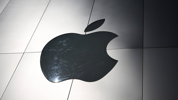 Apple To Report Quarterly Earnings