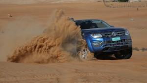 Wie man in der Wüste richtig Auto fährt
