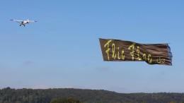Ein Riesen-Zirkus mit der Luftwerbung