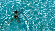 Die Beschaffenheit der Wasserqualität zu überprüfen ist freilich eine Aufgabe über die gesamte Saison, die mindestens einmal je Woche ansteht.