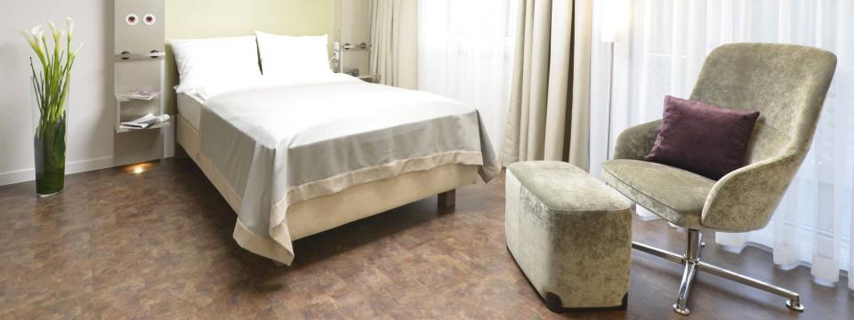 patientenzimmer der zukunft diagnose hotelsehnsucht technik faz. Black Bedroom Furniture Sets. Home Design Ideas