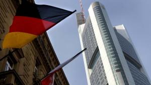 Commerzbank muss weiter sparen