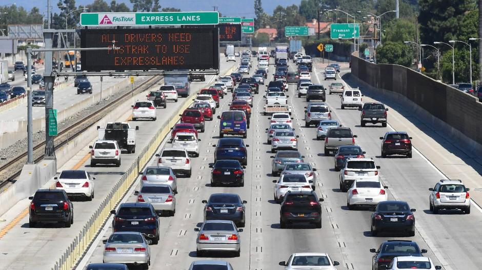 """Kalifornien will ab 2035 nur noch """"abgasfreie"""" Fahrzeuge einschließlich Transporter zulassen."""