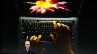 Apple-Chef Tim Cook stellte die neuen Macbooks persönlich vor.