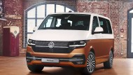 Im VW wirkt die Inneneinrichtung altertümlicher als im Mercedes, aber vieles ist am richtigen Platz.