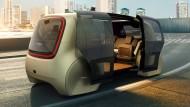 Steuerfrei: So stellt sich Volkswagen die Zukunft vor, ohne Lenkrad und Pedale. Der rollende Toaster heißt Sedric.
