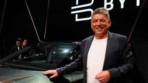 Ex-BMW-Manager greift mit Elektroauto Tesla an