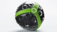 Insgesamt 36 Kameraugen sind im Panono-Ball integriert. Das sorgt für eine hohe Auflösung.