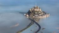 Die Kosten für den Umbau der seit 1979 zum Unesco-Weltkulturerbe ausgerufenen Bucht beliefen sich wie geplant auf 185 Millionen Euro.