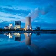 Zeichen eines Friedensangebots? Kaum ein Neubau ist derzeit so umstritten wie das Steinkohlekraftwerk Datteln IV, das nun doch ans Netz gegangen ist.