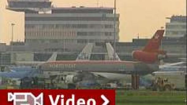 Transatlantik-Flugzeug auf dem Weg nach Chicago umgeleitet