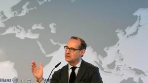 Allianz-Chef verdient weniger