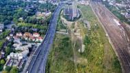So sieht das Gelände des ehemaligen Güterbahnhofs in Duisburg von einer Drohne fotografiert aus.