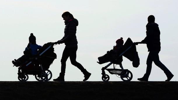 Kabinett bringt Reform des Elterngeldes auf den Weg