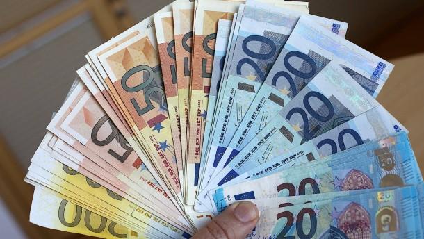 Weniger Falschgeld in Deutschland und Europa