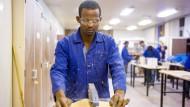 Wirtschaft fordert Abschiebestopp für arbeitende Flüchtlinge