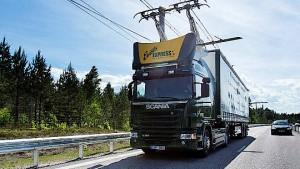 In Schweden fahren Lastwagen mit Oberleitung